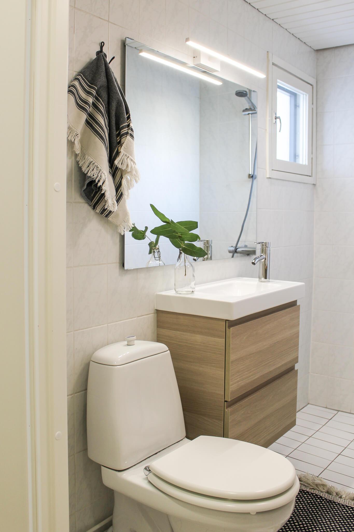 Kylpyhuoneen raikastus, stailaus, sisustussuunnittelu portfolio, sisustussuunnittelija Turku